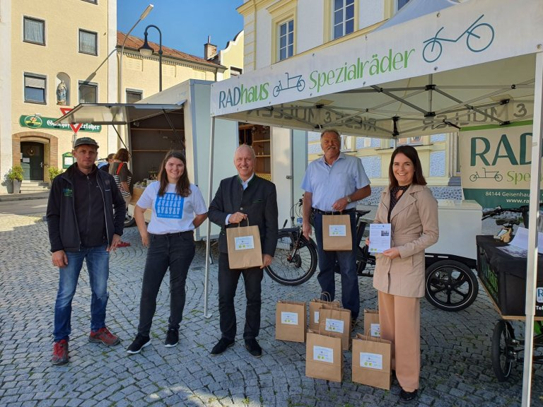Auftakt_Lastenradlieferservice_Bauern_Wochenmarkt_Geisenhausen
